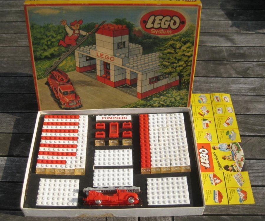 LEGO 308 italiana 01.jpg