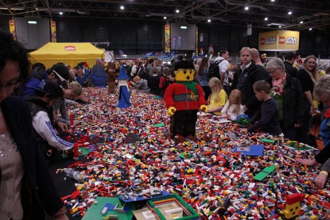 lego-world-2013-piru-14