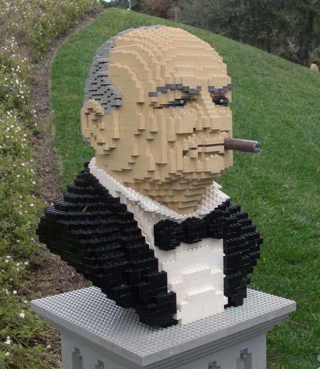Busto di Churchill realizzato in pezzi LEGO - California LEGOLAND Foto di Iain Heath
