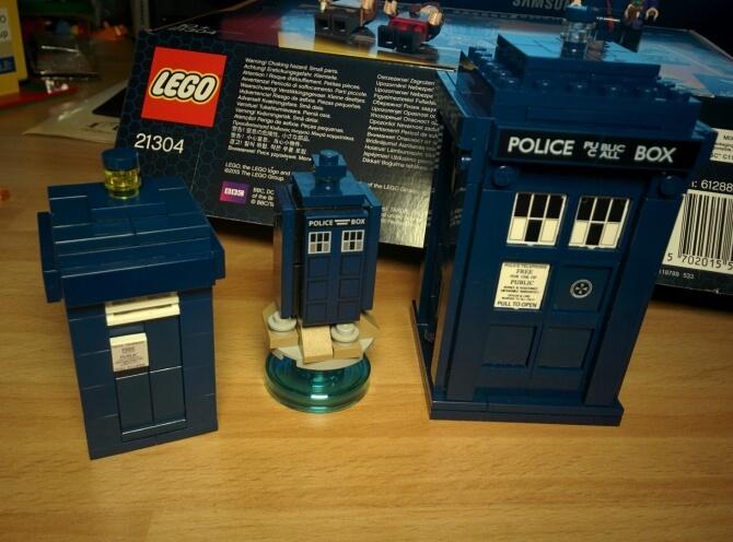 TARDIS a confronto: mia mini-MOC, LEGO Dimensions e questo.