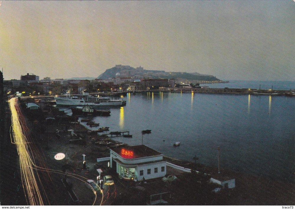 Milazzo stazione di servizio Esso 1960 notturno.jpg