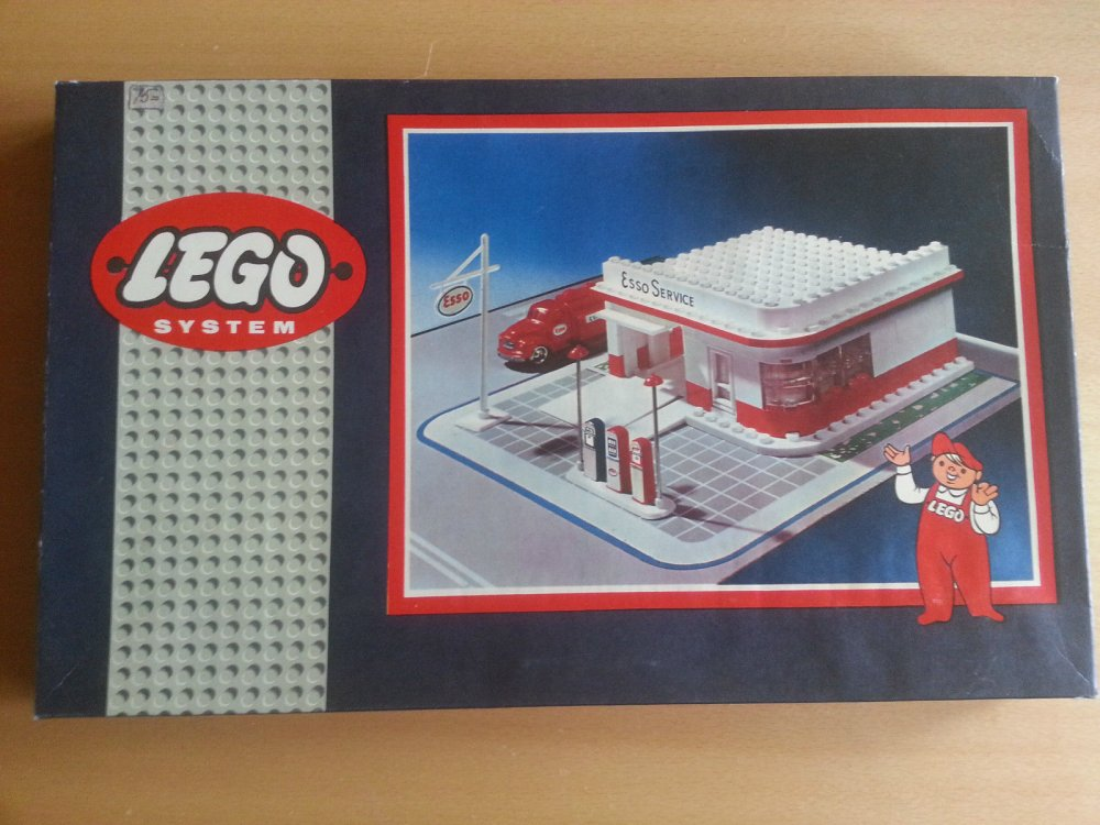 Lego 310b Tankstelle 04.jpg
