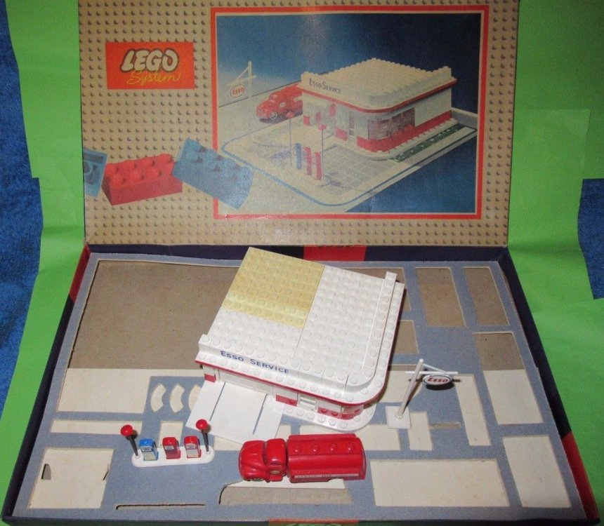 LEGO 310 terza serie 01.jpg