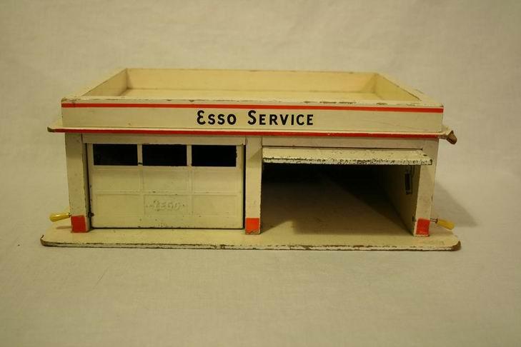 LEGO Esso garage di legno 02.JPG
