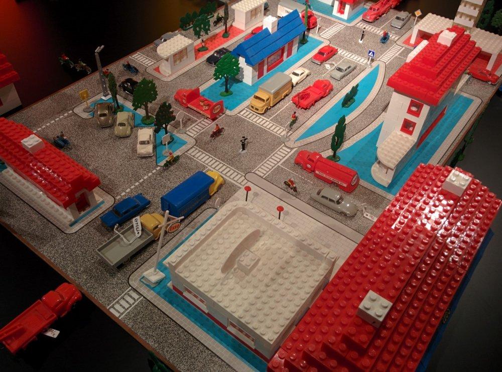 LEGO plastico museo Billund non originale 01.jpg