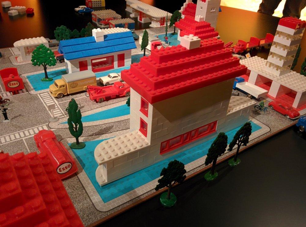 LEGO plastico museo Billund non originale 02.jpg