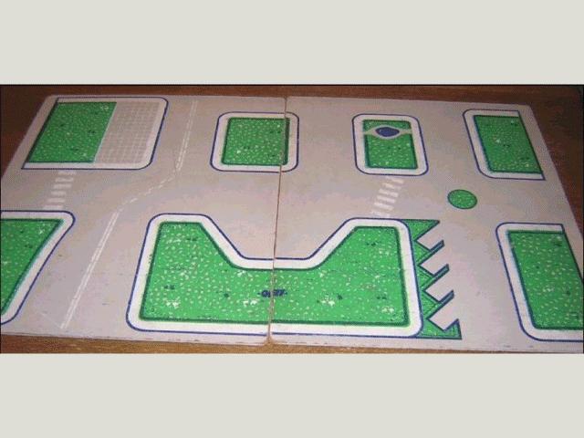 LEGO tplan04 plastico masonite in due pezzi.png