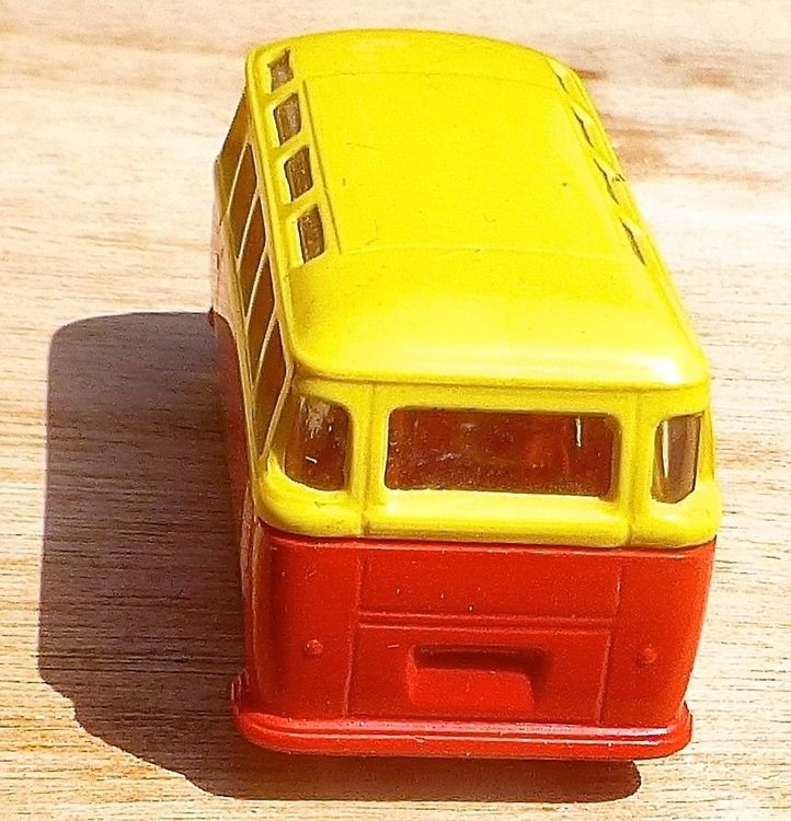 LEGO VW Bully giallo-rosso 03.jpg