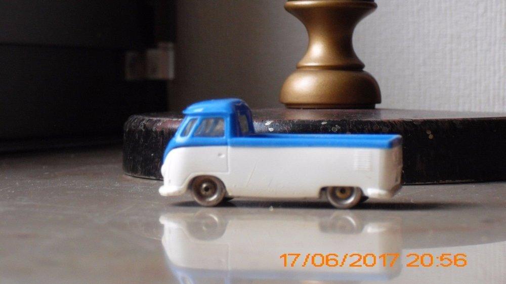 LEGO VW camioncino blu-bianco 02.jpg